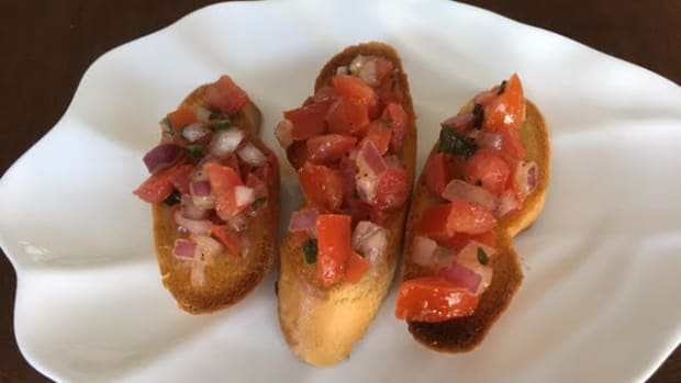 easy-bruschetta-appetizer