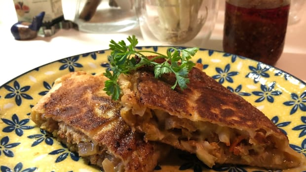 asian-fusion-pan-fried-spicy-pork-cheese-bun