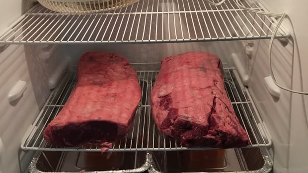 making-dry-age-beef-at-home