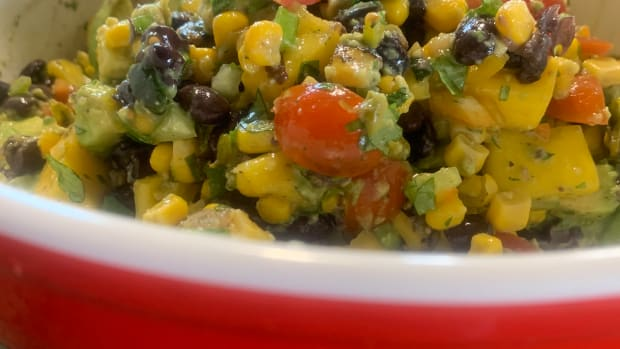 mouth-watering-vegetarian-black-bean-avocado-and-mango-salsa