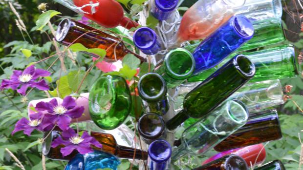 bottle-tree-for-my-garden-reuse-of-junk