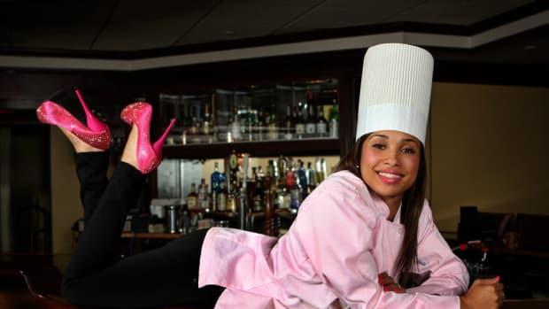 5-beautiful-girls-from-gordon-ramsays-hells-kitchen-2nd-edition