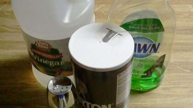 how-to-use-vinegar-to-kill-weeds
