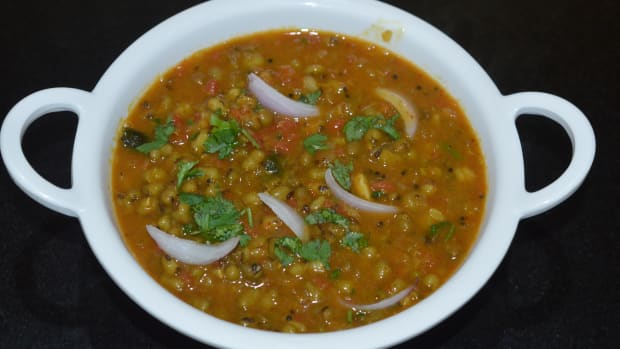 how-to-make-green-gram-curry-mung-bean-curry-for-jolada-rotti-chapati-and-poori