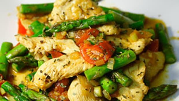 Thai Basal Chicken & Vegetable Stir Fry