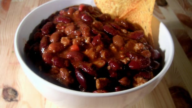how-to-make-hearty-crockpot-vegetarian-chili