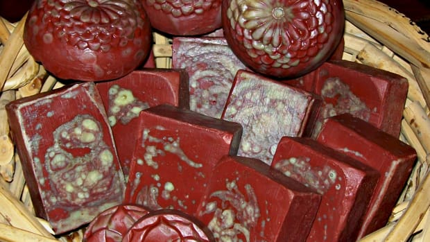 dragons-blood-ultra-conditioning-homemade-soap