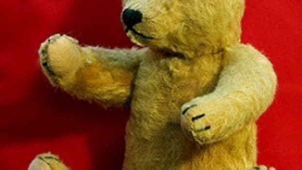 collectible-and-antique-teddy-bears