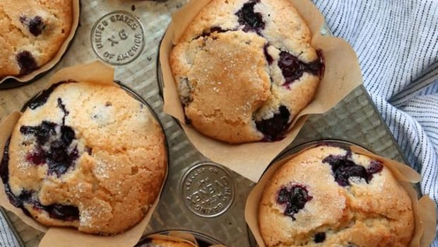 wonderfully-delicious-blueberry-muffins
