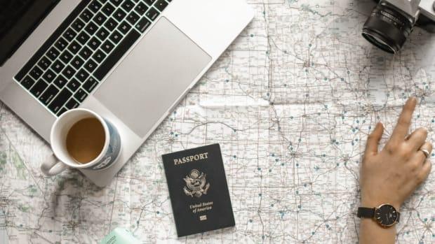 passport-photo-makeup-tips