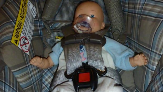 car-seat-expiration-dates-keep-your-baby-safe