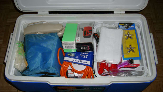 what-is-needed-for-your-hurricane-emergency-kit-be-prepared-for-the-2012-hurricane-season