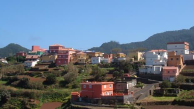 chinamada-cave-houses-and-the-walk-to-punta-del-hidalgo