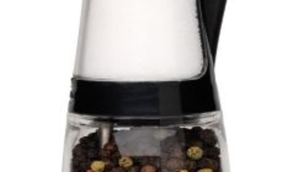 salt-and-pepper-grinder