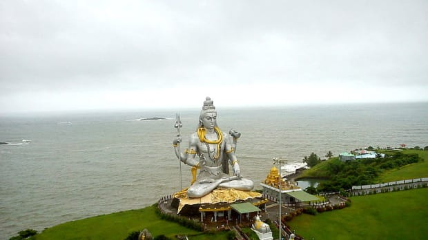 -how-to-reach-murudeshwara-on-konkan-route-in-karnataka-south-india