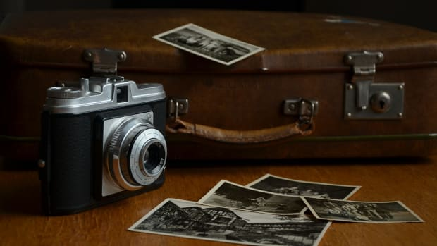 10-ways-of-looking-at-your-old-photographs