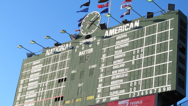 five-historic-mlb-ballparks-you-must-visit