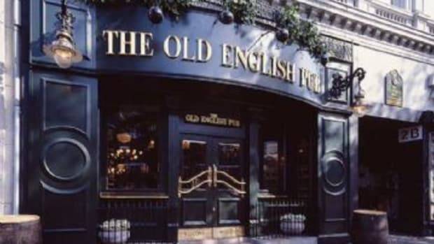 Quitessential English pub from www.andythornton.com