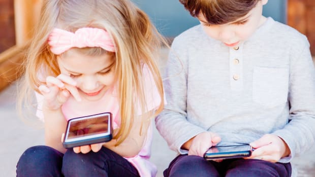 how-the-smartphone-can-teach-some-valuable-lessons-to-your-kids-it-has-nothing-to-do-with-google
