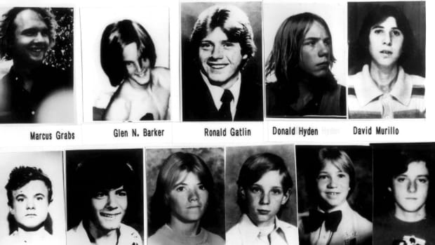 sadistic-freeway-killer-left-trail-of-over-22-boys-bodies-the-story-of-william-bonin