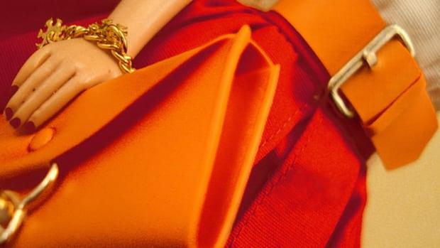 how-to-care-for-a-vinyl-purse-vinyl-handbag-or-vinyl-clutch