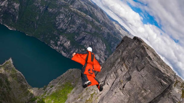 the-extreme-sport-of-wingsuit-flying