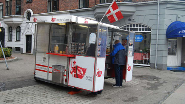 the-history-of-the-danish-hot-dog-stands