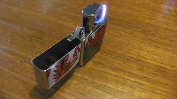 vector-thunderbird-pipe-insert-an-amateur-review-and-comparison-with-the-traditional-zippo