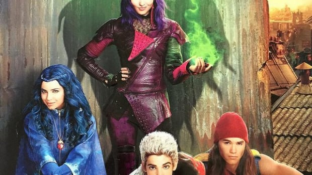 disney-descendants-birthday-party-ideas-and-themed-supplies