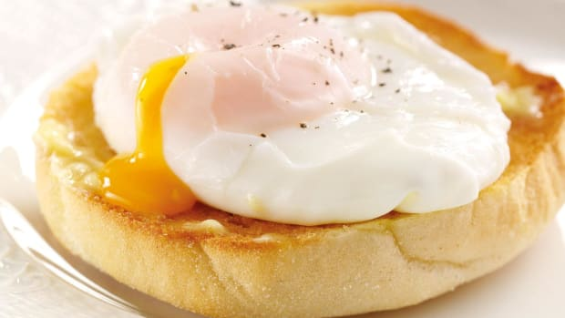 the-best-microwave-egg-poachers-and-poaching-pans