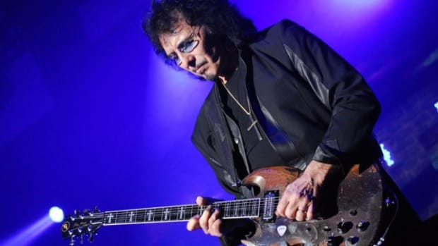 tony-iommi-and-the-gibson-sg