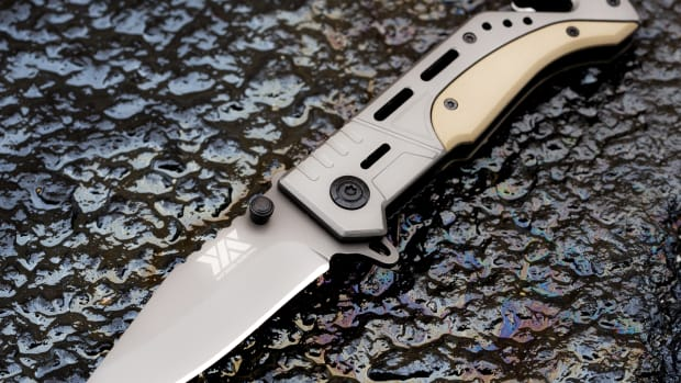 the-tips-and-techniques-of-maintaining-your-outdoor-cool-knives