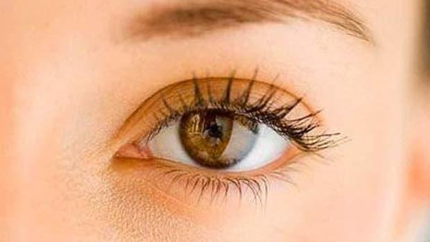 how-to-reduce-under-eye-dark-circles-naturally