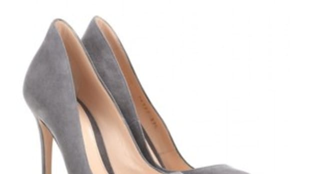 classic-pump-shoe-a-very-classic-yet-popular-trend