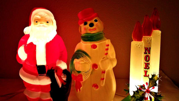 collecting-christmas-blow-molds-empire-general-foam-and-more