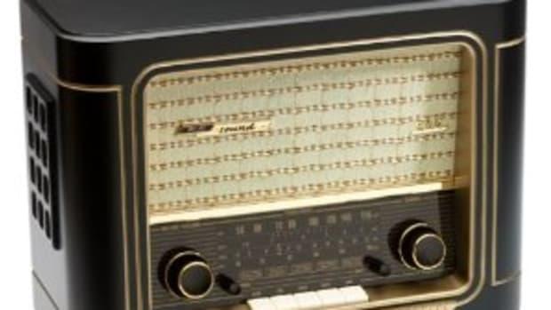 vintage-reproduction-radios