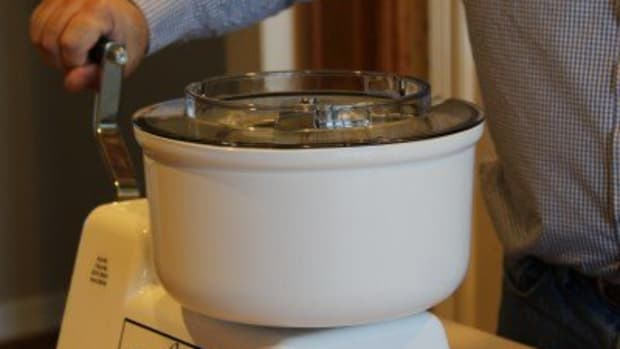 human-powered-kitchen-appliances-hand-crank-kitchen-gadgets-non-electric-kitchens