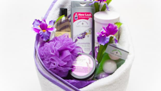 creating-a-spa-gift-basket