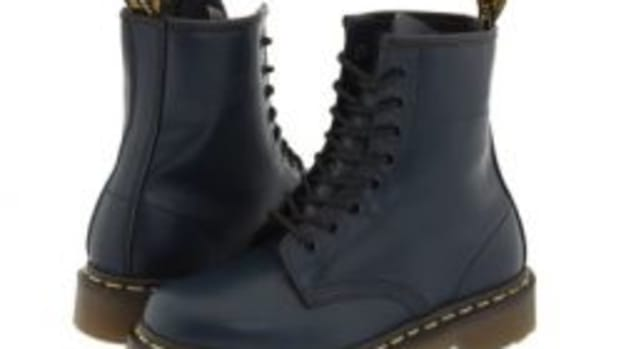 how-to-spot-the-differences-between-original-fake-dr-martens-shoes