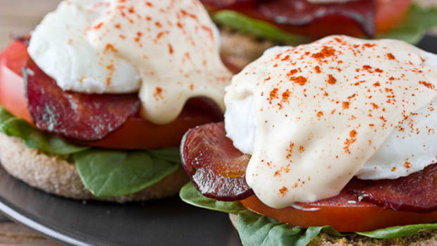 ultimate-egg-less-hollandaise-sauce