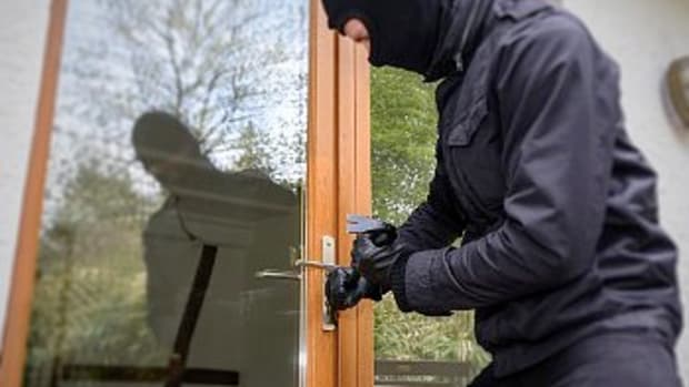 non-lethal-ways-to-deter-burglars