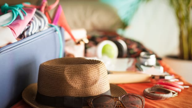 100-things-you-shouldnt-forget-to-pack-for-your-next-vacation