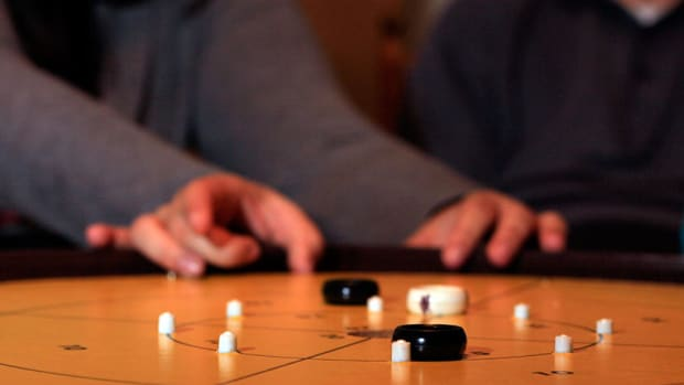 why-crokenole-is-the-best-party-game