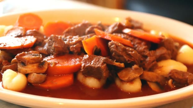 an-authentic-hungarian-goulash-savory-beef-pork-stew-cooking-recipe