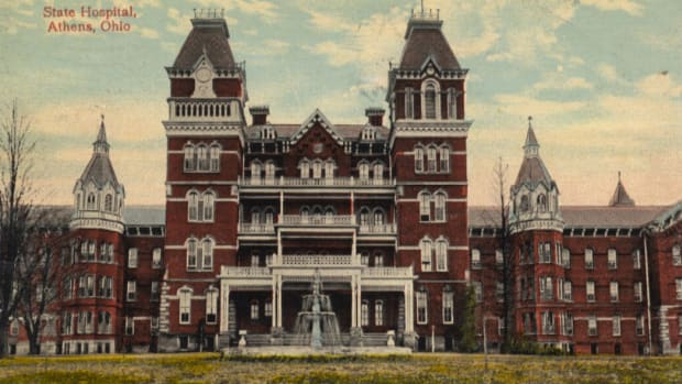 haunted-athens-lunatic-asylum-now-the-ridges