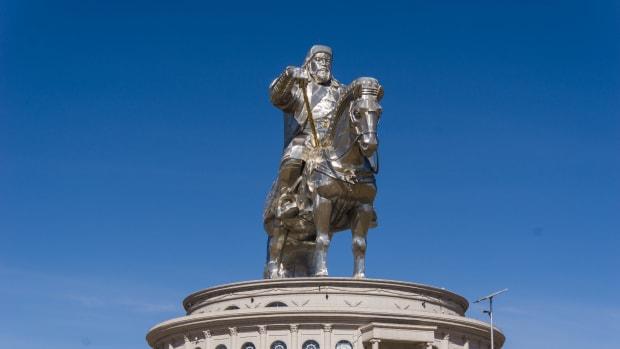 visiting-the-genghis-khan-statue-complex-near-ulaanbaatar