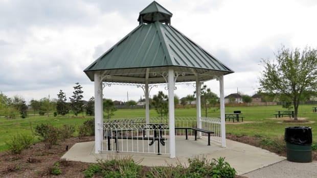 mason-road-park-small-community-park-in-katy-texas