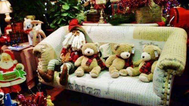 cornelius-nursery-a-houston-christmas-visual-wonderland