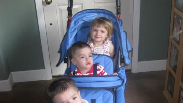 baby-jogger-triple-stroller
