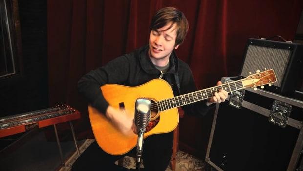 new-guitar-sensation-billy-strings